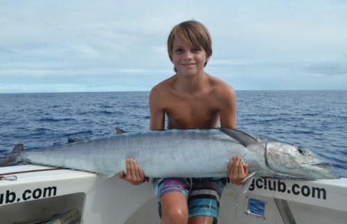 Arthur et son wahoo de 25.4kg nouveau record junior du club - Rod Fishing Club - Ile Rodrigues - Maurice - Océan Indien