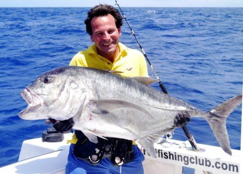 Benoît et sa carangue ignobilis au jig de 25kg - Rod Fishing Club - Ile Rodrigues - Maurice - Océan Indien