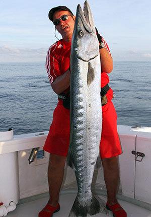 Bruno et son barracuda - Rod Fishing Club - Ile Rodrigues - Maurice - Ocean Indien