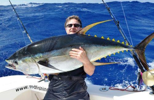Claudius et son thon jaune de 50kg en heavy spinning - Rod Fishing Club - Ile Rodrigues - Maurice - Océan Indien