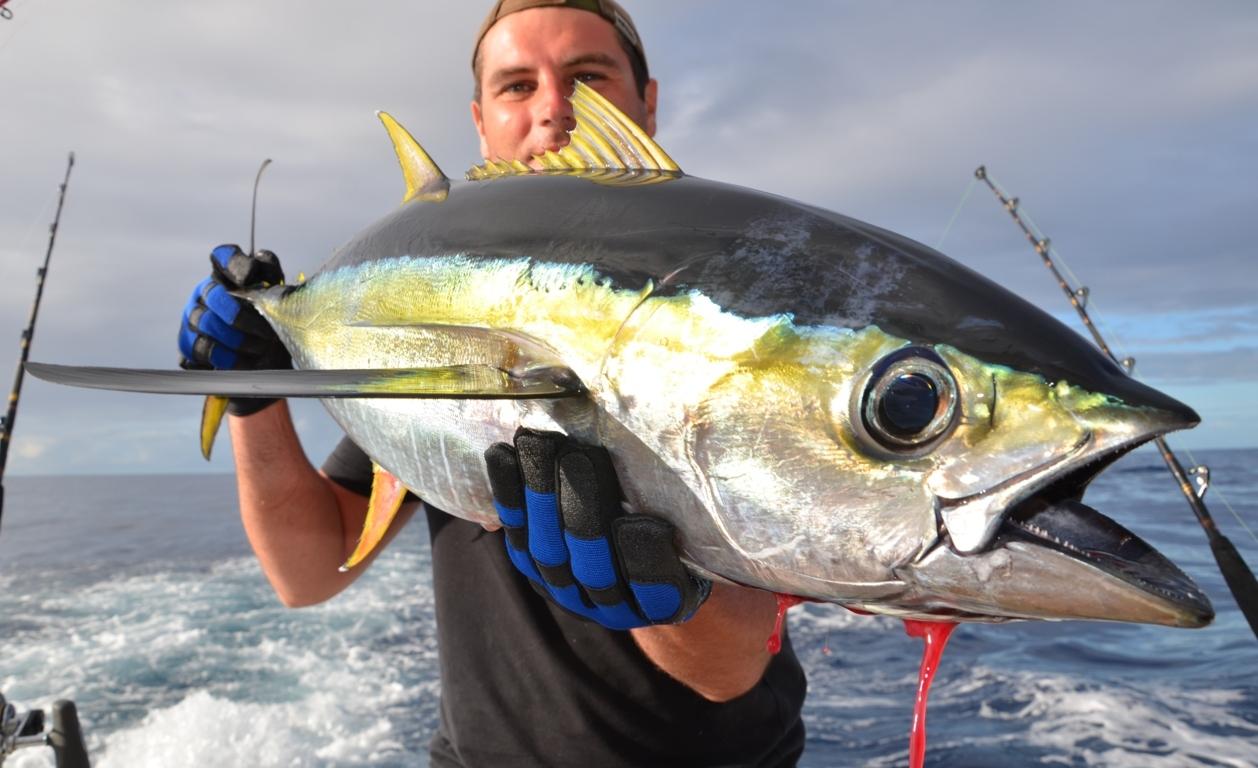 Fabrice and yellowfin tuna - Rod Fishing Club - Rodrigues Island - Mauritius - Indian Ocean