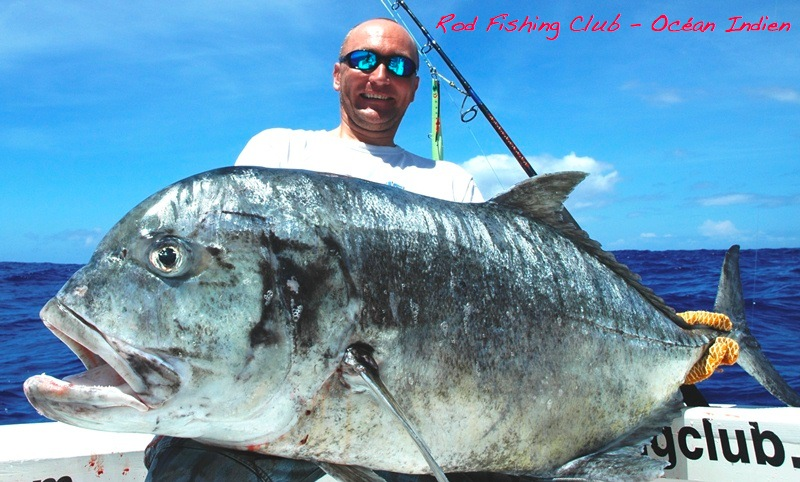 Igor et sa carangue ignobilis de 30kg - Rod Fishing Club - Ile Rodrigues - Maurice - Océan Indien