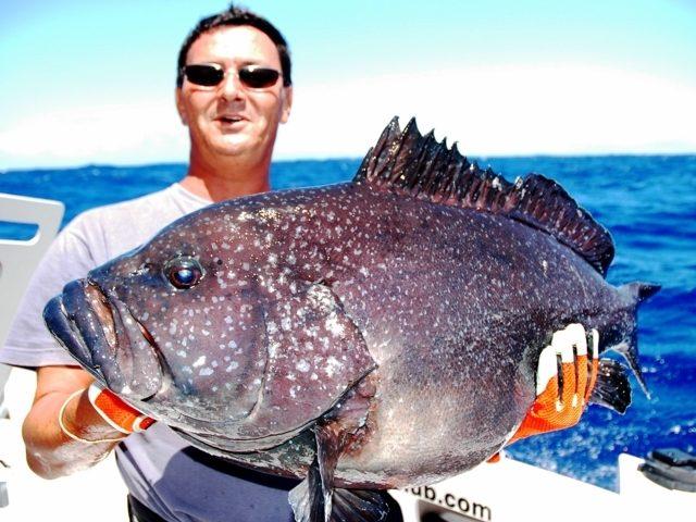 Olivier et son mérou - Rod Fishing Club - Ile Rodrigues - Maurice - Océan Indien