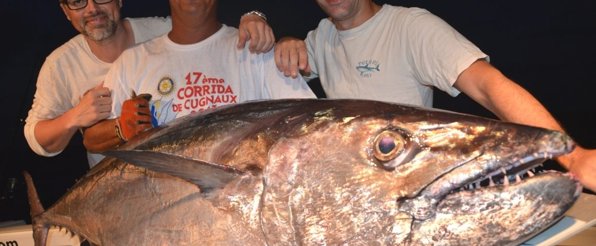 Olivier et son thon à dents de chien de 70kg en jigging - Rod Fishing Club - Ile Rodrigues - Maurice - Océan Indien