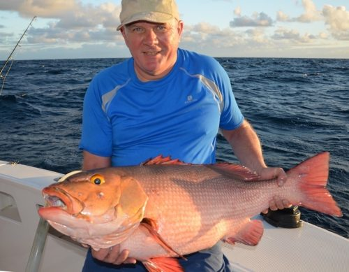 Patrick et sa carpe rouge - Rod Fishing Club - Ile Rodrigues - Maurice - Océan Indien