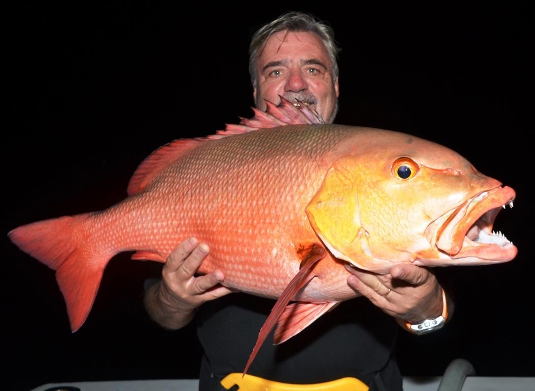 Patrick et sa carpe rouge - Rod Fishing Club