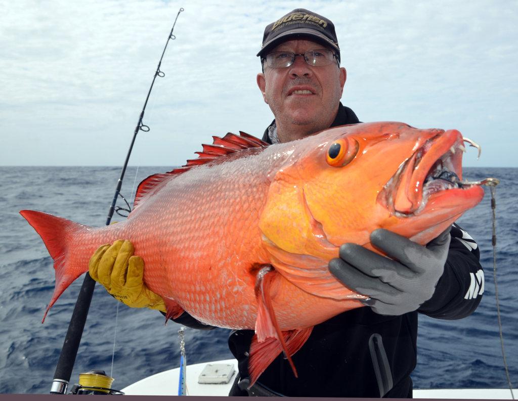 Paul and his red snapper (lutjanus bohar) - Rod Fishing Club - Rodrigues Island - Mauritius - Indian Ocean