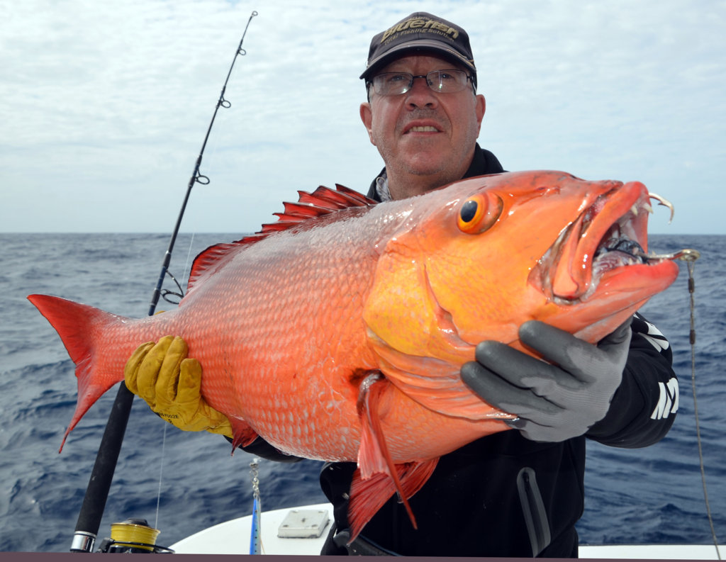 Paul et sa carpe rouge (lutjanus bohar) - Rod Fishing Club