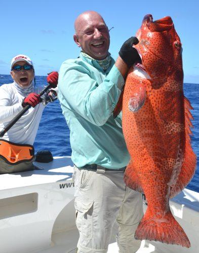 Serguey et une babone prise au jig - Rod Fishing Club - Ile Rodrigues - Maurice - Océan Indien