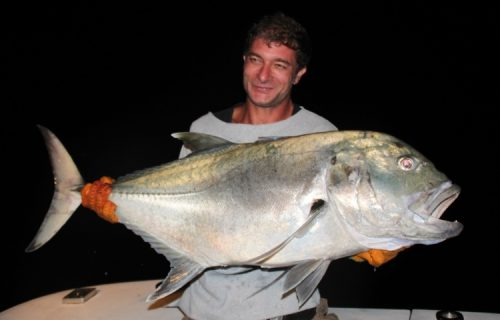 Tony et sa carangue ignobilis - Rod Fishing Club - Ile Rodrigues - Maurice - Océan Indien