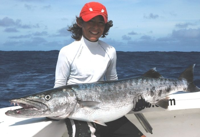 barracuda de 19.2kg nouveau record junior du club - Ile Rodrigues - Maurice - Océan Indien - Rod Fishing Club - Ile Rodrigues - Maurice - Océan Indien