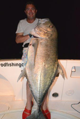 carangue ignobilis de 25kg par Michel en jigging - Rod Fishing Club - Ile Rodrigues - Maurice - Océan Indien