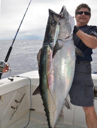 thon à dents de chien de 40kg pris en deep jigging par 235m - Rod Fishing Club - Ile Rodrigues - Maurice - Océan Indien