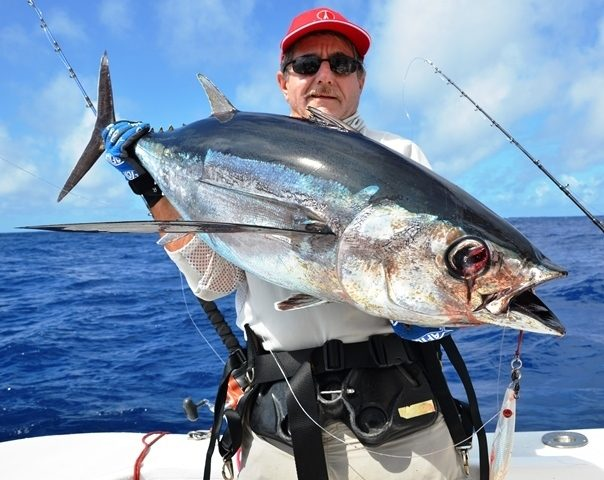 thon germon en very deep jigging par215m de fond - Rod Fishing Club - Ile Rodrigues - Maurice - Océan Indien