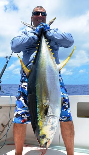 33kg yellowfin tuna - Rod Fishing Club - Rodrigues Island - Mauritius - Indian Ocean