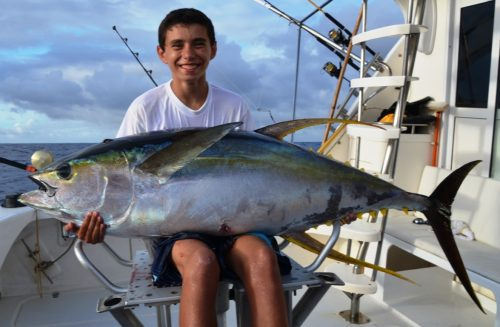62kg yellowfin tuna by a junior - Rod Fishing Club - Rodrigues Island - Mauritius - Indian Ocean