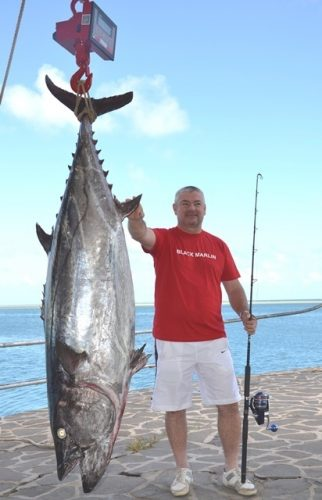 97kg doggy on baiting by charles - Rod Fishing Club - Rodrigues Island - Mauritius - Indian Ocean