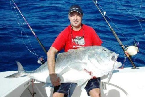 Alberto et sa carangue ignobilis- Rod Fishing Club - Ile Rodrigues - Maurice - Océan Indien
