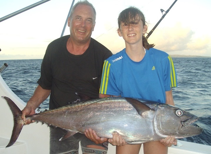 Justine and his doggy world record - 23kg- Rod Fishing Club - Rodrigues Island - Mauritius - Indian Ocean.