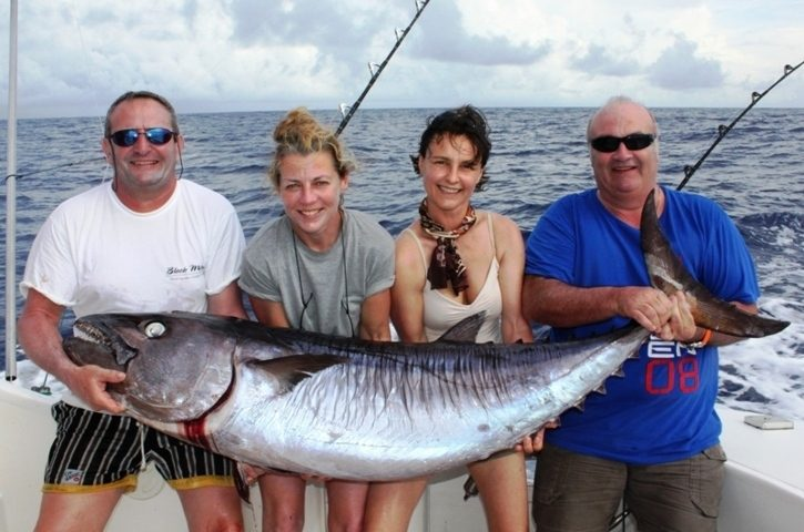 Philippe et son doggy de 55kg - Rod Fishing Club - Ile Rodrigues - Maurice - Océan Indien