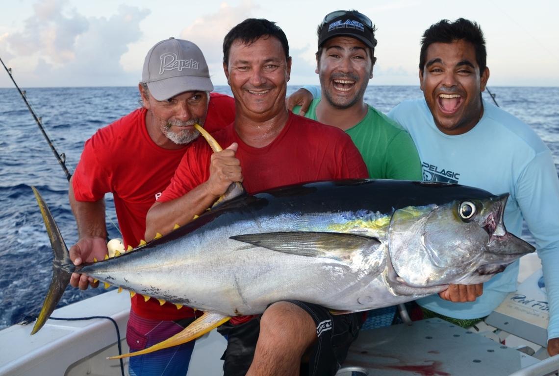 Thon jaune 40kg par le Team Insupportable 974 - Mars 2015 - Rod Fishing Club - Ile Rodrigues - Maurice - Océan Indien
