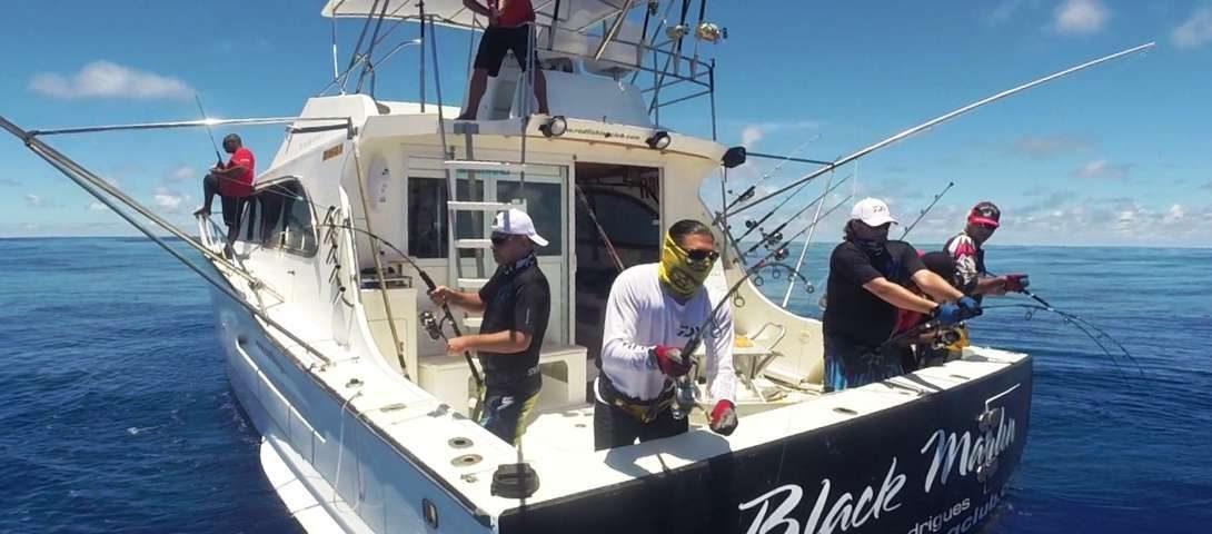four strikes on jigging - Rod Fishing Club - Rodrigues Island - Mauritius - Indian Ocean