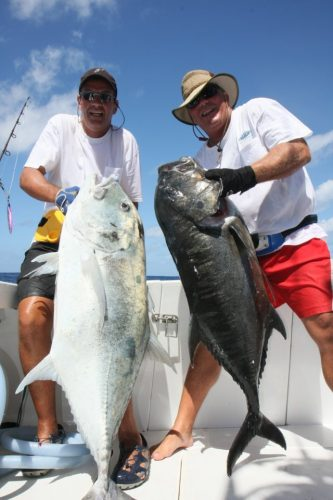 toujours de belles carangues en jigging - Rod Fishing Club - Ile Rodrigues - Maurice - Océan Indien