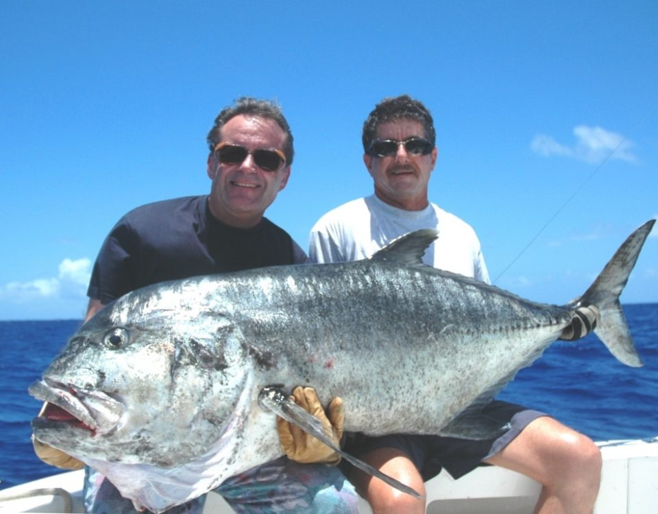 39Kg Giant Trevally on Jigging for André - Rod Fishing Club - Rodrigues Island - Mauritius - Indian Ocean