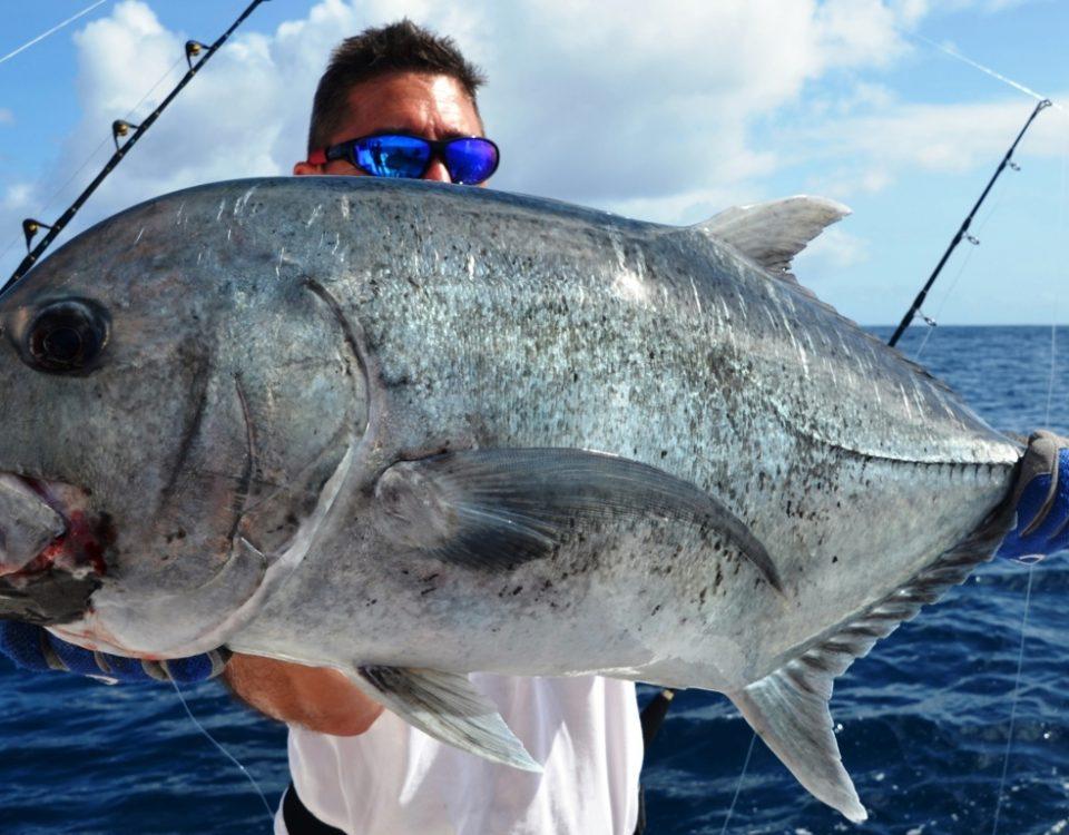 Carangue ignobilis relâchée en pêche au jig par Michel - Rod Fishing Club - Ile Rodrigues - Maurice - Océan Indien