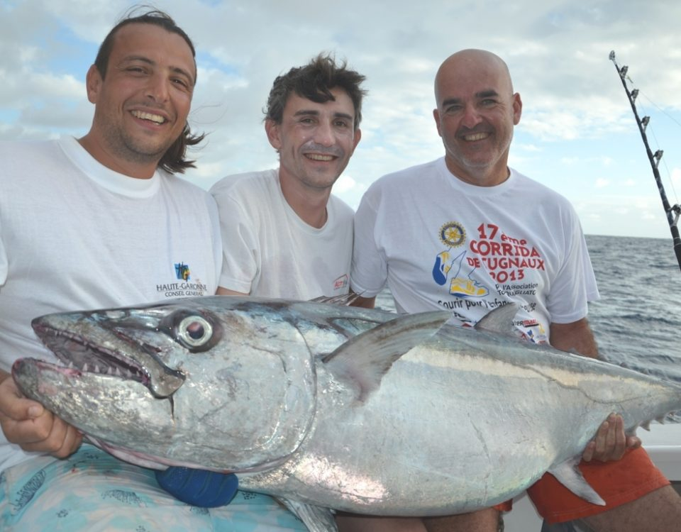 Family pic with a rodriguan doggy - Rod Fishing Club - Rodrigues Island - Mauritius - Indian Ocean