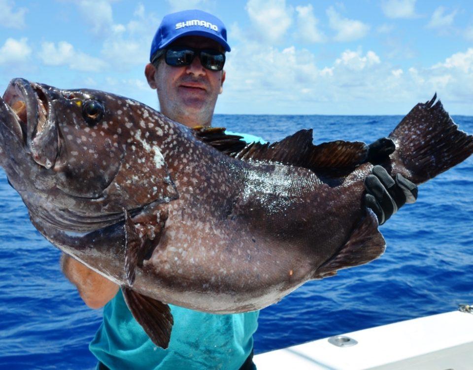 Plat en pêche au jig pour Louis - Rod Fishing Club - Ile Rodrigues - Maurice - Océan Indien