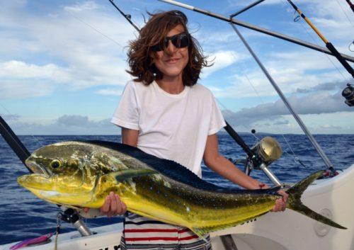 dorade-coryphene-pour-hugo-en-peche-a-la-traine-rod-fishing-club-ile-rodrigues-maurice-ocean-indien