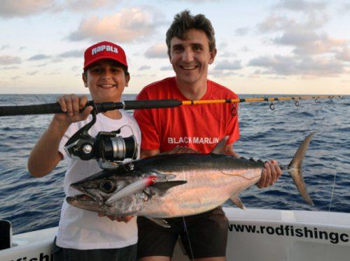 record-du-monde-potentiel-thon-dents-de-chien-de-09-5kg-categorie-smallfry-rod-fishing-club-ile-rodrigues-maurice-ocean-indien