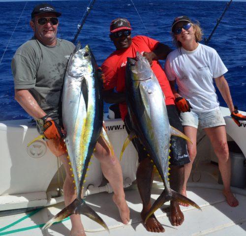 beau-double-de-thons-jaunes-en-peche-a-la-traine-rod-fishing-club-ile-rodrigues-maurice-ocean-indien