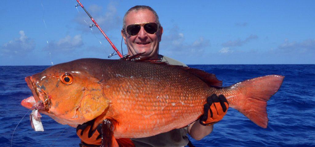 potentiel-record-du-monde-de-carpe-rouge-de-15kg-en-peche-a-lappat-rod-fishing-club-ile-rodrigues-maurice-ocean-indien