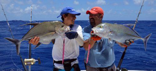 Carangue lugubris et bleue pris en jigging - www.rodfishingclub.com - Ile Rodrigues - Maurice - Océan Indien