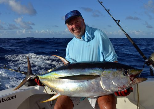 40kg yellowfin tuna on trolling by Marc - Rod Fishing Club - Rodrigues Island - Mauritius - Indian Ocean