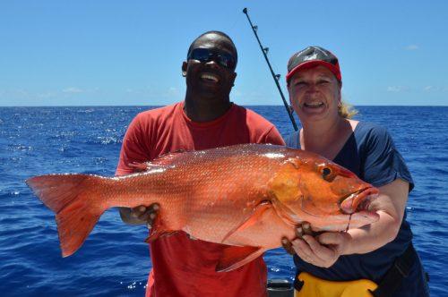 Carpe rouge pris en pêche a l'appât par Michelle - www.rodfishingclub.com - Ile Rodrigues - Maurice - Océan Indien