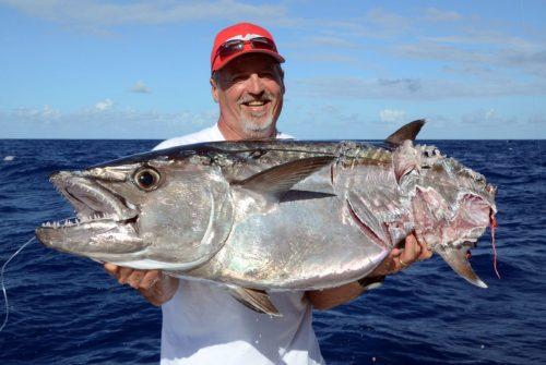 Beau thon dents de chien coupé pris en pêche a l'appât par Silvano - www.rodfishingclub.com - Ile Rodrigues - Maurice - Océan Indien