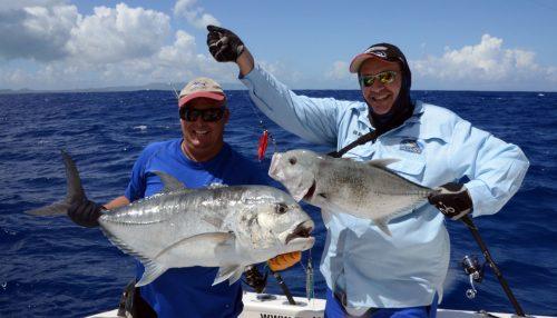 Carangues Ignobilis par Fred et Bruno en pêche au jig - www.rodfishingclub.com - Ile Rodrigues - Maurice - Océan Indien