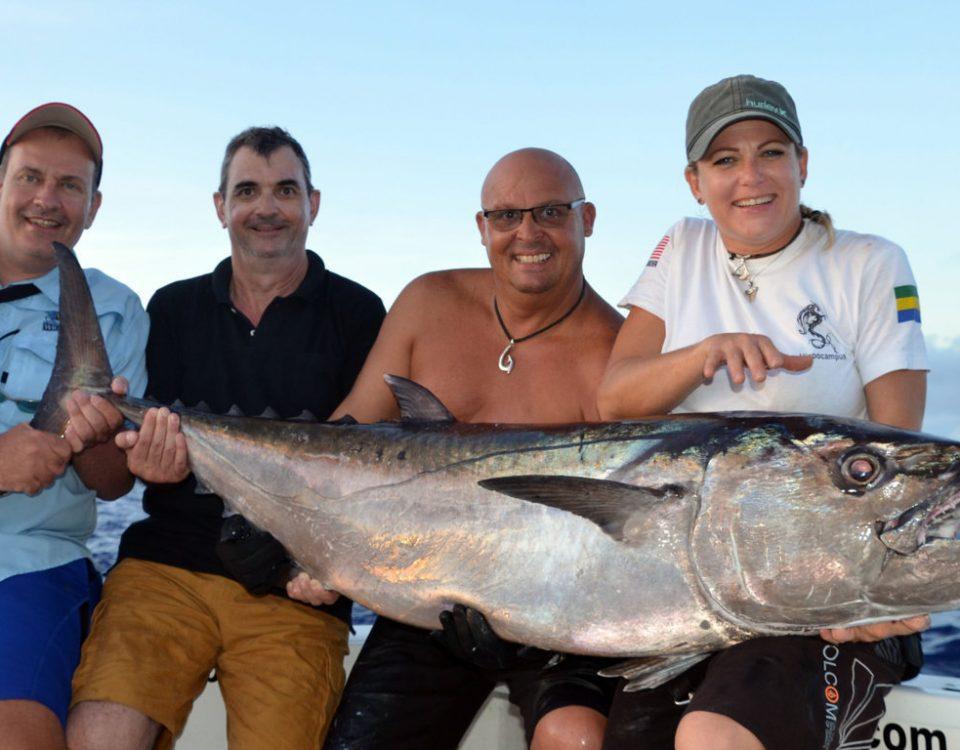Thon dents de chien de 57.5kg par l'équipe X Select Pro - www.rodfishingclub.com - Ile Rodrigues - Maurice - Océan Indien