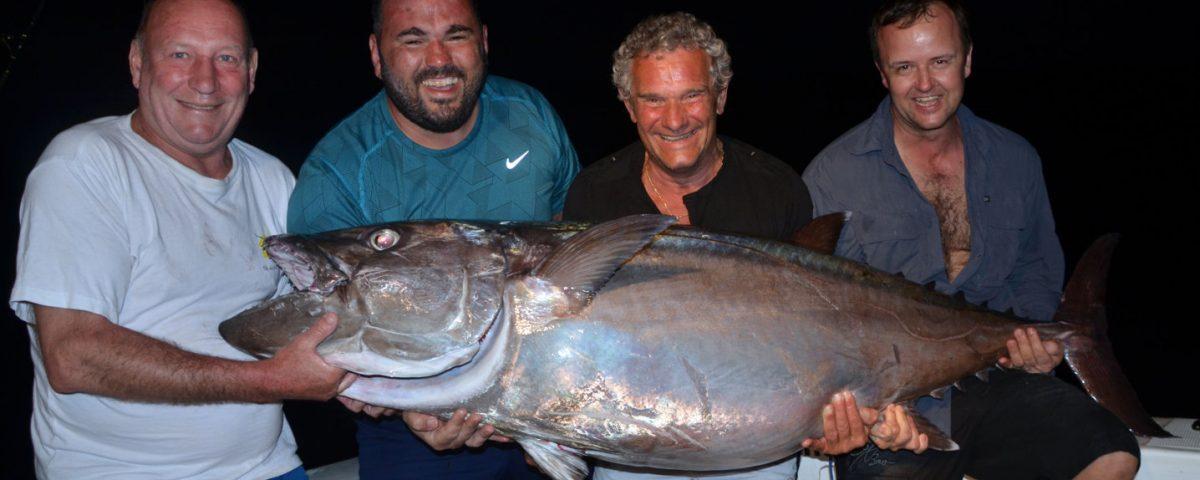 Thon dents de chien de 68kg pris en pêche a l'appât - www.rodfishingclub.com - Ile Rodrigues - Maurice - Océan Indien