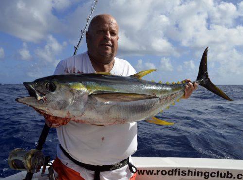 Thon jaune en pêche a la traine par Jean Michel - www.rodfishingclub.com - Ile Rodrigues - Maurice - Océan Indien