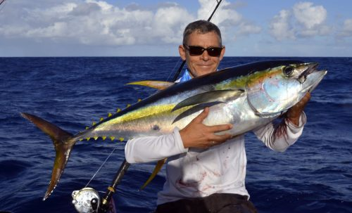 20kg yellowfin tuna caught on trolling by Denis - www.rodfishingclub.com - Rodrigues Island - Mauritius - Indian Ocean