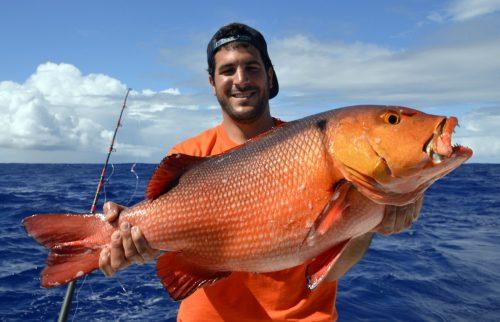 Carpe rouge par Nicolas en pêche a l'appât - www.rodfishingclub.com - Ile Rodrigues - Maurice - Océan Indien