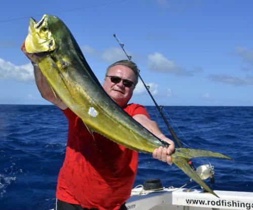 Dorade prise en pêche a la traîne - www.rodfishingclub.com - Ile Rodrigues - Maurice - Océan Indien