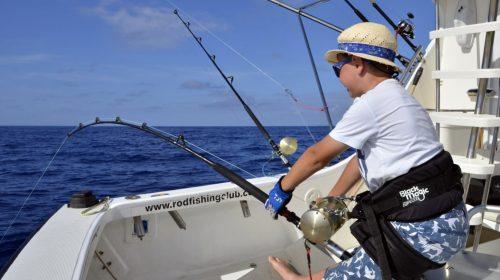89.5kg Potentiel RECORD DU MONDE thon dents de chien de en pêche à l'appât catégorie small fry - www.rodfishingclub.com - Ile Rodrigues - Maurice - Ocean Indien (FILEminimizer)