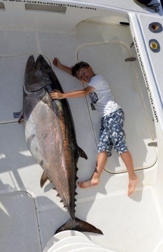 Potentiel RECORD DU MONDE thon dents de chien de 89.5kg pris en pêche à l'appât catégorie small fry - www.rodfishingclub.com - Ile Rodrigues - Maurice - Ocean Indien (FILEminimizer)