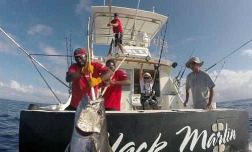 Potentiel RECORD DU MONDE thon dents de chien pris en pêche à l'appât catégorie small fry - www.rodfishingclub.com - Ile Rodrigues - Maurice - Ocean Indien (FILEminimizer)