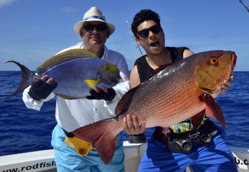 Pere et fils en pêche a l'appât - www.rodfishingclub.com - Rodrigues - Maurice - Océan Indien